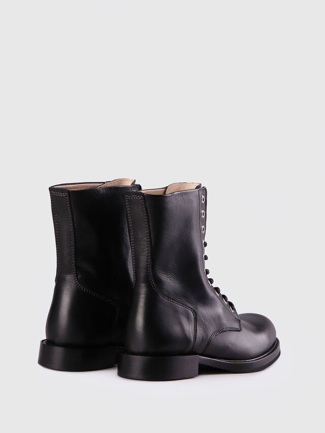 D-KOMB BOOT CB, Black