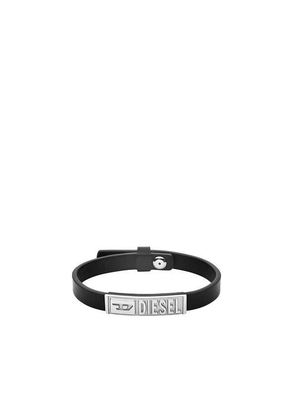 https://pt.diesel.com/dw/image/v2/BBLG_PRD/on/demandware.static/-/Sites-diesel-master-catalog/default/dw895c5118/images/large/DX1226_00DJW_01_O.jpg?sw=594&sh=792