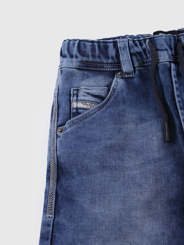 Diesel - KROOLEY SH JOGGJEANS J, Blue Jeans - Shorts - Image 3