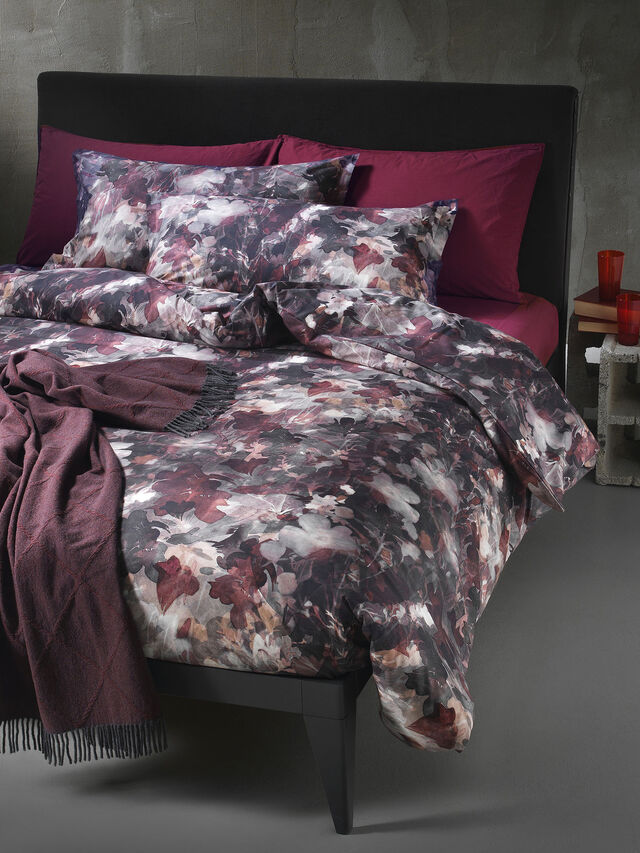 Living 72081 DARK FIELD, Burgundy - Duvet Cover Set - Image 1